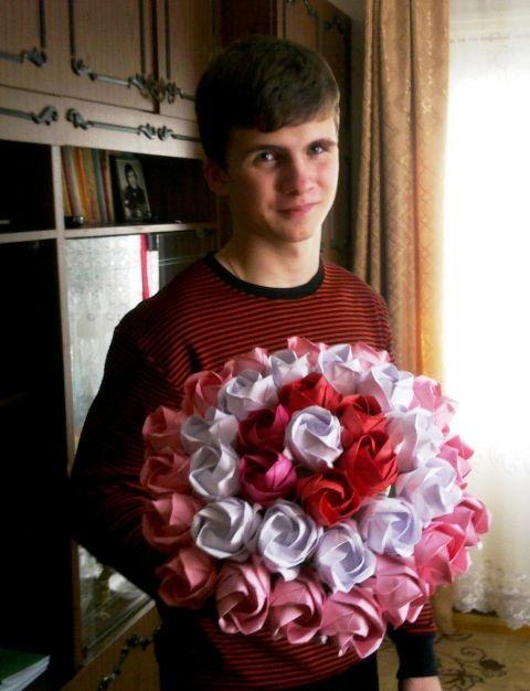На бутон одной розы